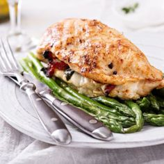 These elegant, stuffed chicken breasts are just as delicious as they are impressive. This recipe is the perfect combination of autumn harvest flavors that will leave your dinner guests speechless! Healthy Stuffed Chicken Breast, Cooking Tips, Cooking Recipes, Healthy Cooking, Healthy Eats, Mozzarella Chicken, Chicken Cordon Bleu, Breast Recipe, Chicken Recipes