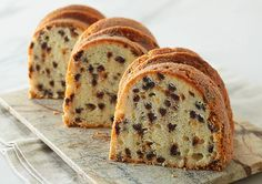 Recipe For Chocolate Chip Sour Cream Pound Cake Sweet Recipes, Cake Recipes, Chocolate Chip Pound Cake, Cake Chocolate, Sour Cream Pound Cake, Thermomix Desserts, Cooking Chef, Tea Cakes, Piece Of Cakes