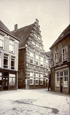 Hoek Gerecht-Lokhorststraat (1922).