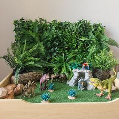 Set up an inviting construction site dramatic play area for your little learners! Find inspiration for small worlds, block play, early writing and more! Dinosaur Garden, Dinosaur Play, Dinosaur Activities, Dinosaur Small World, Small World Play, Baby Sensory, Sensory Play, Diy And Crafts, Crafts For Kids