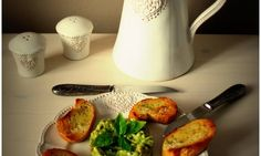 Avokádový tatarák s bagetkou Bowl Set, Kettle, Kitchen Appliances, Fit, Diy Kitchen Appliances, Tea Pot, Home Appliances, Shape, Boiler
