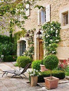 italian villa courtyard Italian Style Pinterest Villas