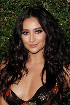 PLL Star Shay Mitchell Has a New Man in Her Life