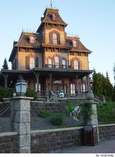 Paris Disneyland's Phantom Manor In Color