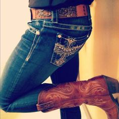 Those jeans are so cute! Especially with the belt and the cowboy boots. Perfectly country. #WesternStyle #CountryStyle #CowgirlStyle #CowboyBoots #CowgirlBoots #Denim
