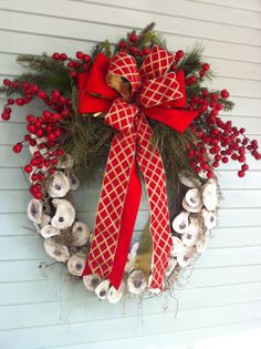 Beach Christmas wreath made with oyster shells!
