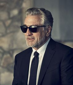 Robert De Niro wearing Ermenegildo Zegna Eyewear #sunglasses #shades #fashion #streetstyle #bloggers #models #topmodels #gafas #gafasdesol #lunettesdesoleil #occhialidasole
