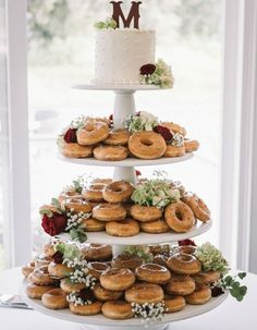 It seems like everywhere we turn, we see these holey treats. From trendy cronuts to 5-foot tall towers, donuts have worked their way into the wedding world.