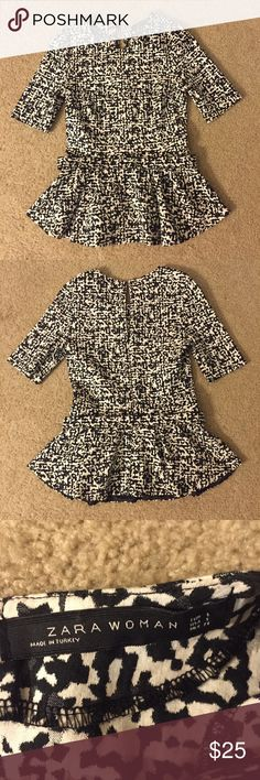 New Arrival Zara printed peplum top Excellent used condition! Gray, black and white printed pattern. Hidden back zipper. Matching belt. Size small. Would look cute with a black pencil skirt for work or skinny jeans. Make me an offer! Zara Tops Blouses