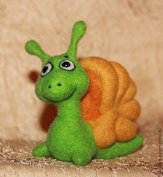 Купить Улитка Маняша - ярко-зелёный, улитка, улиточка, войлочная игрушка, валяная игрушка