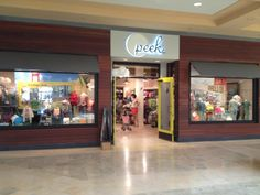 We are so excited to welcome Fashion Square Arizona to the Peek family!