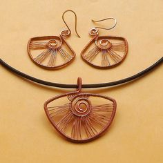 Copper fan earring and pendant set Wire Earrings, Pendant Earrings, Drop Earrings, Bead Jewellery, Wire Jewelry, Wire Wrapped Pendant, Pendant Set, Wire Wrapping, Fan