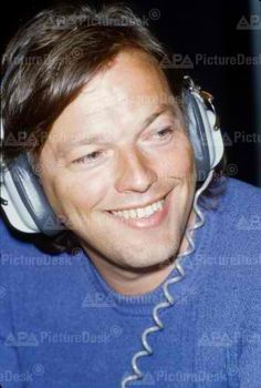 David Gilmour | Pink Floyd. He always has such a nice smile!
