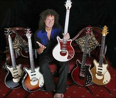 Brian May (Queen) with the line of Red Special Replicas offered by Brian May Guitars. 80s Music, Music Guitar, Cool Guitar, Guitar Room, Brian May Red Special, Queen Brian May, Queen Ii, Steve Vai, Best Guitarist