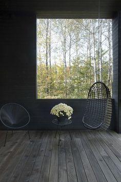 MAISON UNIFAMILIALE SAINT-SAUVEUR — DKA Architectes Black House Exterior, Saint Sauveur, Forest House, Porch Swing, Outdoor Furniture, Outdoor Decor, Outdoor Spaces, House Plans, Farmhouse