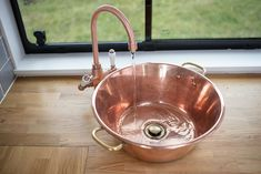 Use a copper bowl as a sink in your handmade campervan. Campervan Hire, Campervan Interior, Campervan Ideas, Van Conversion Sink, School Bus Tiny House, Bus House, Portable Toilet, Bowl Sink, Fresh Water Tank
