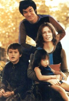 Bruce Lee family picture