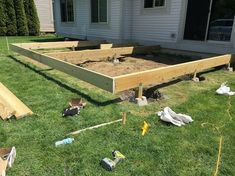 How to Build a Floating Deck 2019 DIY Floating Deck Plans Rogue Engineer 10 The post How to Build a Floating Deck 2019 appeared first on Deck ideas. Floating Deck Plans, Building A Floating Deck, Deck Building Plans, Freestanding Deck, Laying Decking, Deck Construction, Decks And Porches, Outdoor Projects, Patio Design