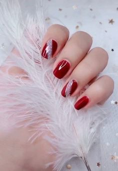 Nail art Christmas - the festive spirit on the nails. Over 70 creative ideas and tutorials - My Nails Red Gel Nails, Shellac Nail Art, Red Manicure, Nail Polish, Manicures, Acrylic Nails, Hallographic Nails, Pink Nail, Jamberry Nails
