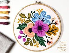 Cross Stitch Beginner, Easy Cross Stitch Patterns, Simple Cross Stitch, Cross Stitch Flowers, Cross Stitch Designs, Cross Stitching, Cross Stitch Embroidery, Yarn Flowers, Le Point
