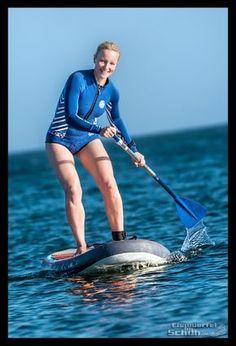 Stand Up Paddling als Fitnesstraining: 10 Gründe warum ihr es lieben werdet. { #Ocean #Love #Fun } { via @eiswuerfelimsch } { #surfinggirl #atlantic #SUP} { #pinyouryear } { #wallpaper } { https://eiswuerfelimschuh.de } @decathlonde @decathlones @garmind