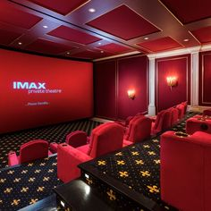 Surprising Home Cinema Designs Ideas That Will Impress - Home Theater Design Home Theater Room Design, Movie Theater Rooms, Home Cinema Room, Home Theater Decor, Home Theater Seating, Home Decor, Home Theatre, Florida Mansion, Florida Home