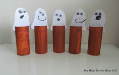 5 Little Ghosts I thought it was time to add another rhyme to the collection we began in the post, Teacher Mama: Fall Finger Plays (Apples and Pumpkins). And since we are still in Halloween season,… Halloween Season, Holidays Halloween, Halloween Treats, Halloween Pumpkins, Haunted Halloween, Halloween Rhymes, Preschool Halloween, Ghost Boy, Finger Plays