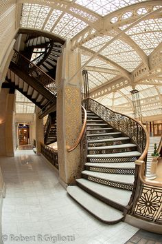 Rookery Building Stairs with fish eye by Robert R Gigliotti, The famous Frank Lloyd Wright-designed. Architecture Design, Beautiful Architecture, Beautiful Buildings, Art Deco, Art Nouveau, Frank Lloyd Wright, Escalier Art, Building Stairs, Take The Stairs