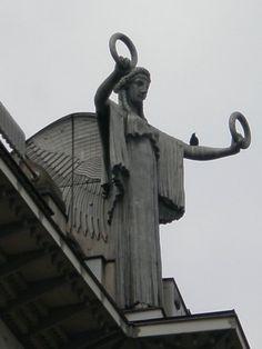 Facade of Otto Wagner's Postal Savings Bank. — in Vienna.//Othmar Schimkowitz sculptor