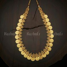 Kerala Jewellery, India Jewelry, Gold Jewellery Design, Antique Jewellery, Pendant Jewelry, Gold Pendant, Gold Jewelry Simple, Necklace Designs, Wedding Jewelry