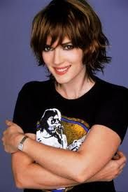 Short wavy hair. Sure, Winona makes anything look great, but my short hair just doesn't cut it. /: