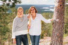 Sirkku Hahn und Nina Stenberg haben mit Inari Arctic Beauty eine Kosmetiklinie kreiert, die das arktische Schönheitsgeheimnis der Skandinavierinnen auch zu uns bringt. Im Gespräch mit FOGS verraten sie, was sich genau hinter diesem Nordic Secret verbirgt. Style Magazin, Hahn, Arctic, Skincare, Pure Products, Beauty, Couple Photos, Couples, Quotes