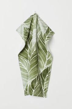 Patterned hand towel - Green/Leaf-patterned - Home All Best Bedding Sets, Bedding Sets Online, Luxury Bedding Sets, Bed Linen Inspiration, H & M Home, Queen Sheets, Bed Sheets, Grands Vases