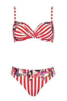 Scopri i bikini bellissimi e guarda le immagini della gallery con i modelli  di costumi da 5201c86c8dfd