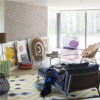 Modern geometric living room. I like the use of colours.