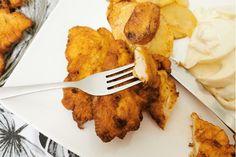 Kefires bundában sült, fűszeres csirkemellcsíkok: az omlós hús eteti magát, olyan finom - Receptek   Sóbors Kefir, Tableware, Kitchen, Dinnerware, Cooking, Tablewares, Kitchens, Dishes, Cuisine