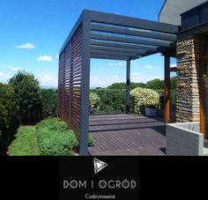 Whilst historical in concept, a pergola continues to be having a bit of a modern Door Protection, Porch Area, Getaway Cabins, Roof Structure, Pergola Designs, Wall Spaces, Warm Colors, Backyard, Patio