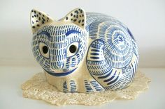 Vintage Japanese Blue and White Cat by Nancy Gomez (1978)