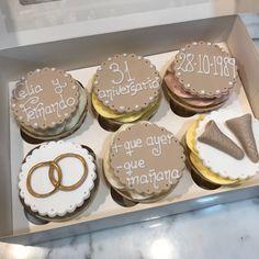 Cupcakes aniversario de boda. Cupcakes, Coffee, Desserts, Food, Fondant Cakes, Lolly Cake, Dulce De Leche, Candy Stations, Cookies