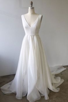 White Chiffon V Neck Long Train Summer Prom Dress, Evening Dress from Sweetheart Dress - Wedding Dresses Style Woman Ivory Prom Dresses, Burgundy Homecoming Dresses, Formal Dresses For Weddings, Wedding Dresses For Sale, Day Dresses, Bridal Dresses, Evening Dresses, Elegant Dresses, Formal Prom
