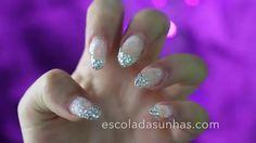 http://maquiagempassoapasso.blog.br/como-fazer-unhas-de-gel-com-pedrinhas-para-o-ano-novo/