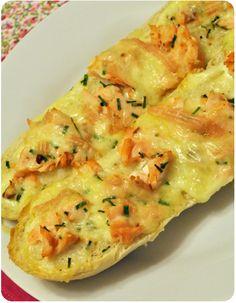 Wow wow wow! Baguette au four au saumon et au munster  Pour deux personnes 1…