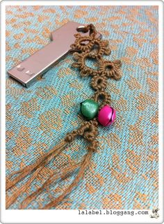 Ummm I love this idea: Tatting with bells,  on a key chain. :)) Does that mean I'd always be able to find my keys when I need them? Lol :))