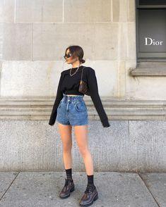 """Vitaliia on Instagram: """"Finally swapped jeans for shorts 🌿 :/ @revolve #revolveme @grlfrnd"""""""