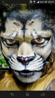Well done blending by daizy of fierce lion. Animal Makeup, Cat Makeup, Wolf Face Paint, Werewolf Makeup, Fierce Lion, Scary Cat, Face Paint Makeup, Face Painting Designs, Halloween Disfraces