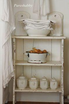 Kitchen pretties (from Pureshabby)