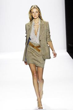 8230adb4a2 Bill Blass Spring 2007 Ready-to-Wear Fashion Show Collection  See the  complete
