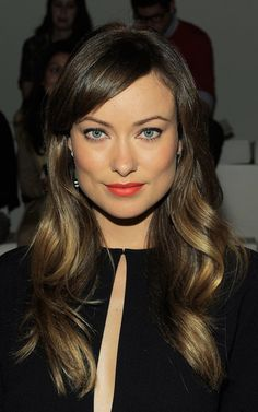 """You might know Olivia Wilde from her well recognized performances in television series 'The House' or from 2010 movie 'Tron:Legacy'.Read More Beautiful Olivia Wilde Hair Styles Over The Years"""" Haircut For Square Face, Square Face Hairstyles, Hairstyles With Bangs, Straight Hairstyles, Cool Hairstyles, 2014 Hairstyles, Bangs Hairstyle, Olivia Wilde Hair, Brunette With Blonde Highlights"""