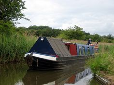 CANAL NARROW BOATS | canal boat a narrow boat navigates the birmingham and worcester canal ...