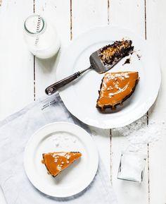 Kinuski-mutakakku   Maku Vanilla Sugar, Vanilla Cake, Salted Caramel Cake, Cake Tins, Something Sweet, Melted Butter, How To Make Cake, Cake Recipes, Sweets
